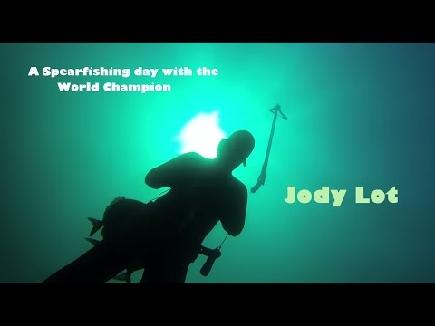 A spearfishing day with the World Champion Jody Lot