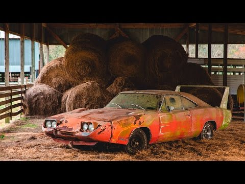 5 MOST AMAZING BARN FINDS