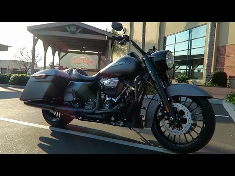 2017 Harley Ddson Road King Ial Flhrxs First Ride Review
