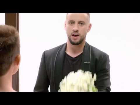 Супермодель по-украински feat MONATIK - Улыбаясь. ПРЕМЬЕРА