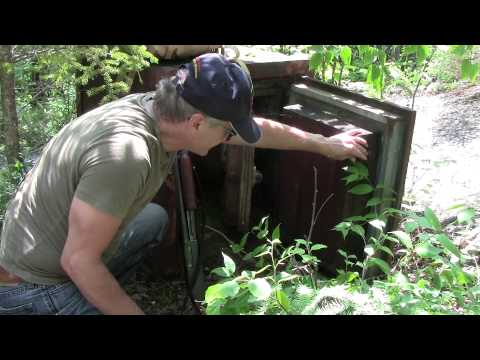 GOLD MINE SAFE FOUND IN REMOTE BUSH BY MINE RAT PRODUCTIONS