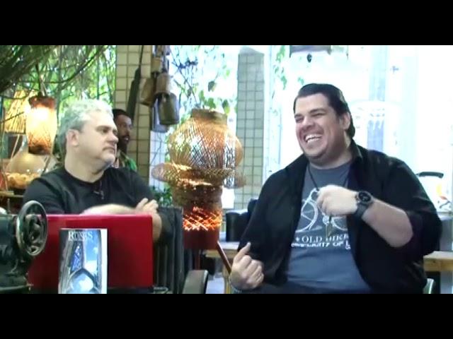 """""""Paxtorzão"""" (Daniel Araújo) visita o Papo de Graça! O comediante bateu um papo com Caio e Bráulio."""