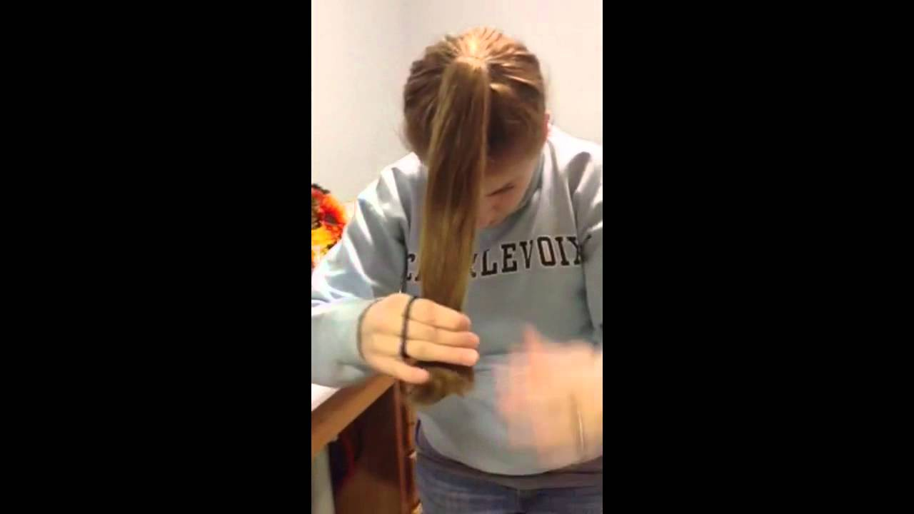 Diy Layered Haircut In Less Than 10 Minutes Youtube