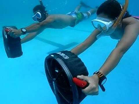 水中スクーターinプール.AVI - YouTube ナビゲーションをスキップ JPアップロード