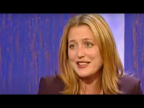 Gillian Anderson talks about being pregnant during early filming and not ...