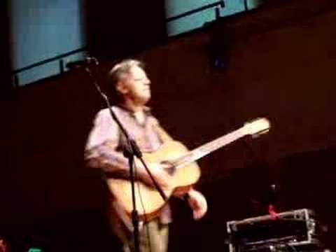 Tommy Emmanuel plays Blue Moon/I Go To Rio