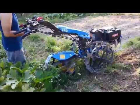 Lavori nell' orto con Bcs 740 e aratro rotativo Berta