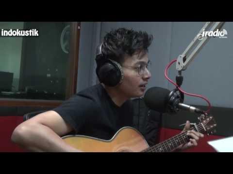 download lagu IndoKustik Rendy Pandugo - Sebuah Kisah gratis