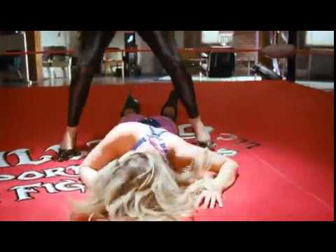 Disaster movie Catfight - Carmen Electra vs Kim Kardashian