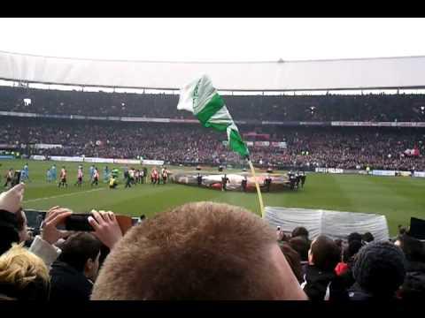 Opkomst spelers Feyenoord - 020 29-01-2012 (4-2)