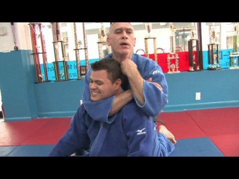 Jiu-Jitsu & Judo Submission Moves : Jiu-Jitsu & Judo Submission Moves: Rear Naked Choke Holds Image 1