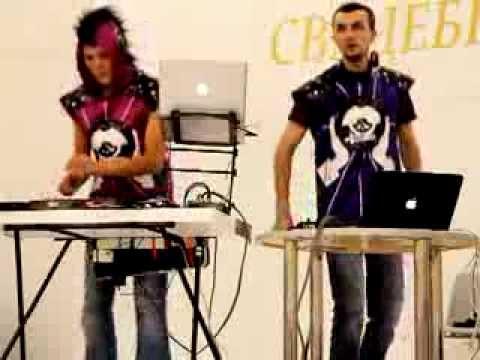 DJ-дуэт Пиратское Радио - живое мэш-ап шоу в Крокус-Экспо