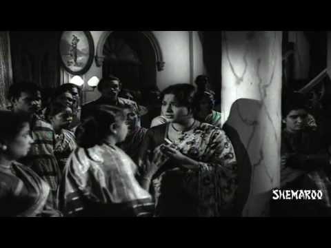 Pempudu Kuthuru Movie Scenes - Ntr's Sister Giving Birth To A Baby Boy - Janaki, Relangi video
