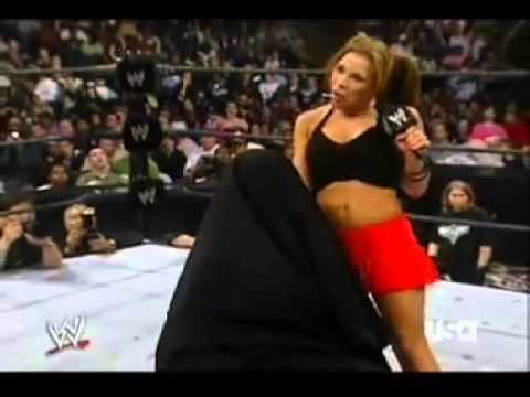 WWE Raw  03.20.2006: Mickie James Gives Trish Stratus a Present(SEGMENT)