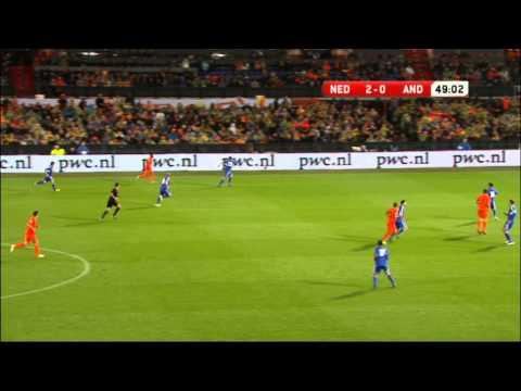 Een samenvatting van de met 3-0 gewonnen WK-kwalificatiewedstrijd van het Nederlands elftal tegen Andorra, gespeeld op 12 oktober 2012 in de Kuip in Rotterda...