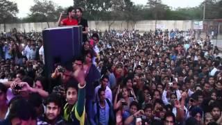 Yo Yo Honey Singh & Mafia Mundeer @ Bhagat Singh College Delhi
