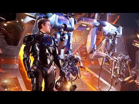 GUILLERMO DEL TORO talks PACIFIC RIM - Hero Complex: The Show
