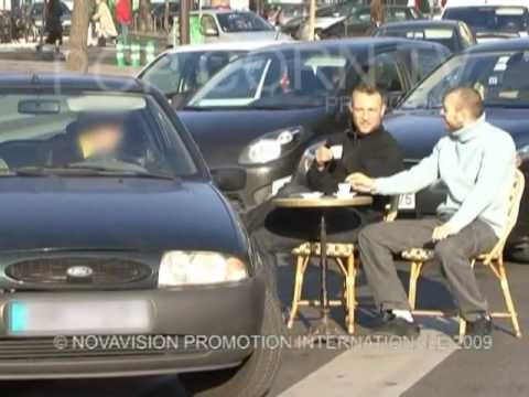 Hidden Camera : A coffee, please (Mad Boys)