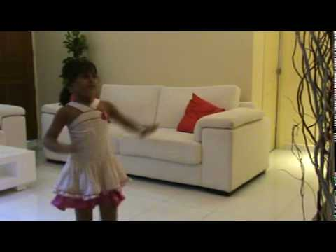 Saanvi Tondak Dance On Left Leg Aage Aage.mp4 video