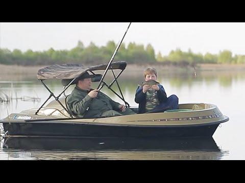 Весенняя ловля карася поплавочной удочкой с электролодки  Emotion.