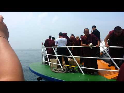 17. Karmapa - Offshore Naga Vase Ceremony in Singapore, 02. 10. 2014