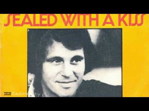 Bobby Vinton - Sealed with a Kiss ... (Audio)