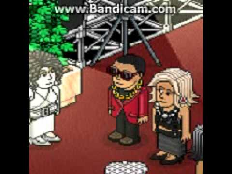 Beyoncé e Jay Z Chegando no Choice Awards ( Versão Habbo )