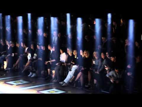 Les coulisses de la Fashion Week de Paris en 65 clichés vidéos