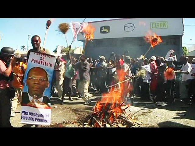 Grupos opositores en Haití exigen la dimisión del presidente, Michel Martelly