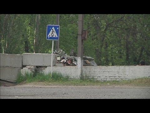 Gunshots heard at a checkpoint in Ukraine's eastern town of Slaviansk