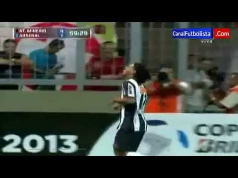 Gol Cantik Ronaldinho Ke Gawang Arsenal (copa Libertadores April 2013) video