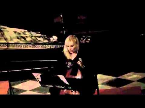 Irena Pahor suona la Viola da Gamba – Recordare