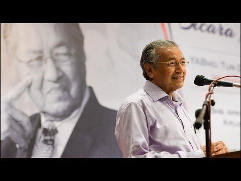 Dr M persoal 'perkhawinan abad ini' anak Najib
