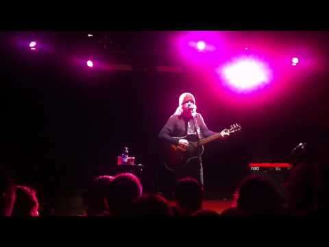 Badly Drawn Boy play I wanna be adored (stone roses cover)