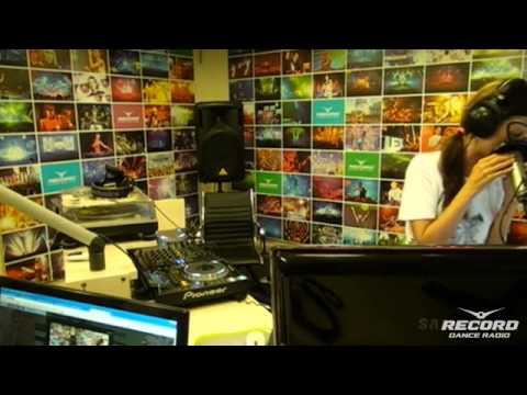 Lady Waks In Da Mix #290