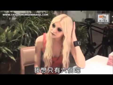 Entrevista: Taylor Momsen durante sessão de fotos para Samantha Thavasa