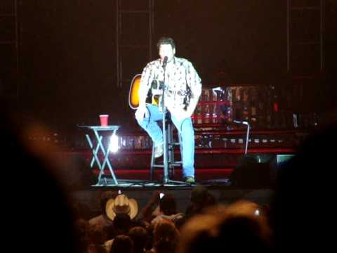 Blake Shelton on George Strait and the Free Credit Report.com Song