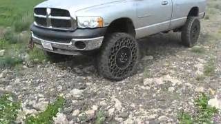 Cool New Army Tire Technology Used on a Pick Up Truck