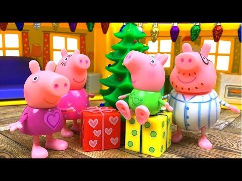 NAVIDADES EN CASA DE PEPPA PIG CON REGALOS Y PIJAMAS - EL MAS PEQUENO ARBOL DE NAVIDAD Y PAPA NOEL