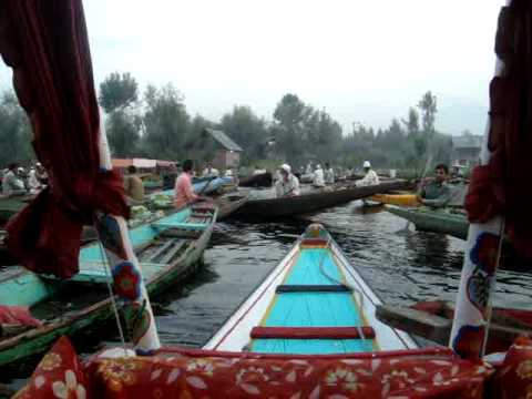 Floating Vegetable Market, Dal Lake, Srinagar. Jammu & Kashmir - India Travel & Tours Video