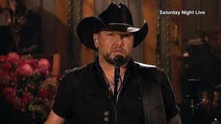 Download Lagu Jason Aldean plays Vegas tribute on SNL Gratis STAFABAND