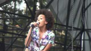 Watch Solange Knowles Dont Let Me Down video