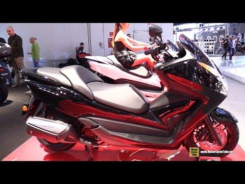 2016 Honda Forza 300 Scooter - Walkaround - 2015 EICMA Milan