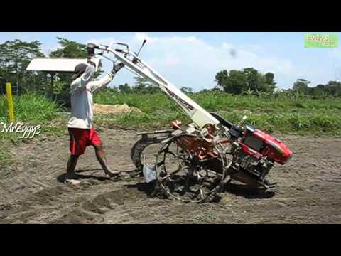2 Wheel Tractor Kubota RD85Di 2S Changing Plow
