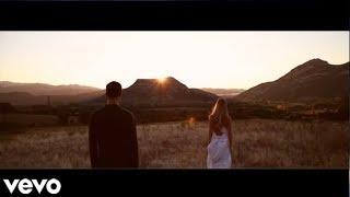 Shakira - Spotlight (Music Video)