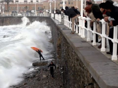 Surf & Bodyboard ACCIDENTS in Gijon. Video de Surf y bodyboard en LA21