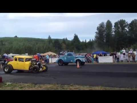 WILLYS COUPE VS. 32' CHEVY COUPE BILLETPROOF ERUPTION DRAGS TOUTLE, WA 2013