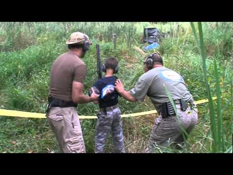 9 Year Old Shooting Tactical Shotgun Match (francis Marion Memorial Swamp Fox Assault Xxx, Stage 1) video