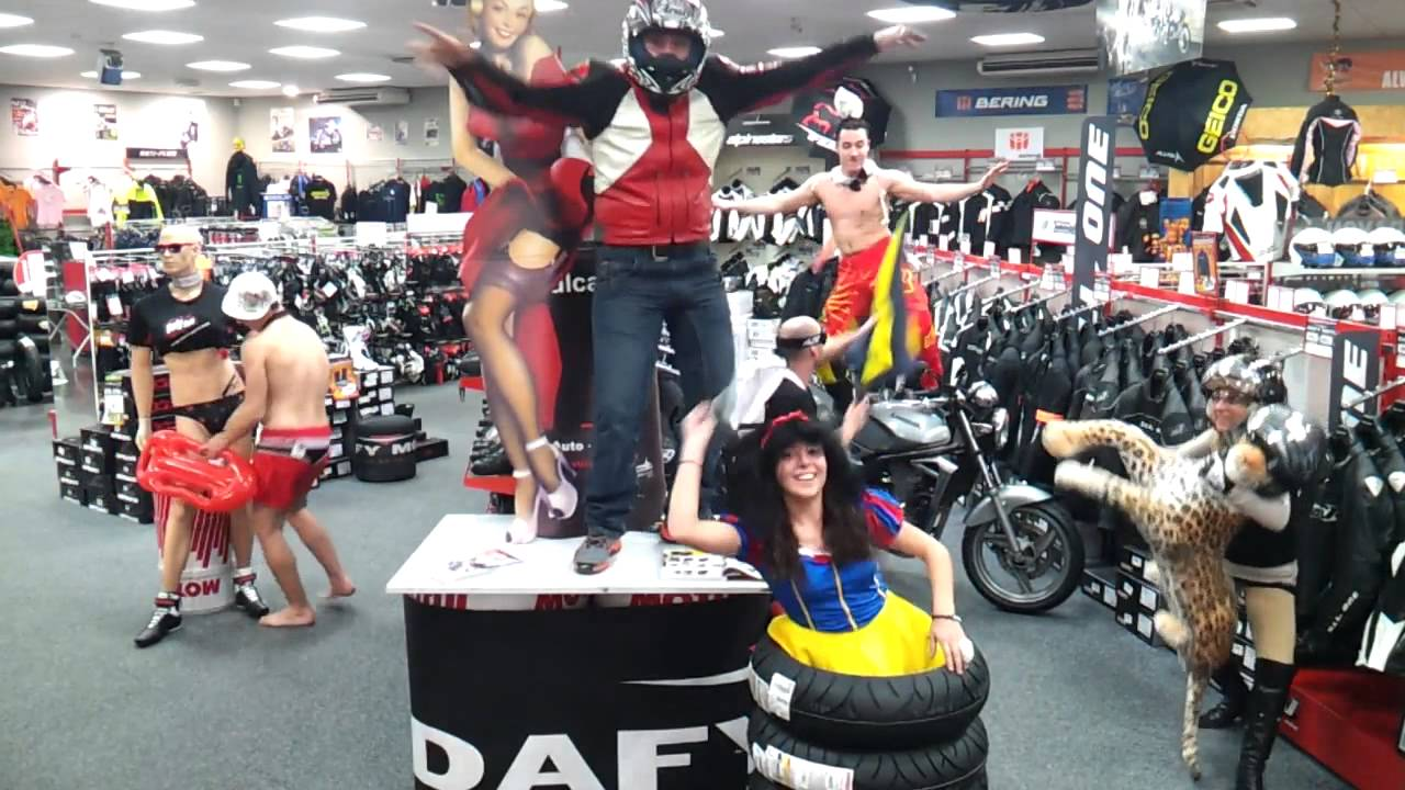 Harlem shake dafy moto toulon youtube for Housse moto dafy