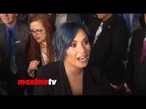 Demi Lovato i Hate Posing For Paparazzis On The Red Carpet  - Frozen Premiere video